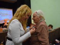 Глава Тамбова Наталия Макаревич вручила ветеранам юбилейные медали